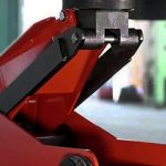 Comparison Reviews: Advantages and Disadvantages of Hydraulic Floor Jack Vs Scissor Jack